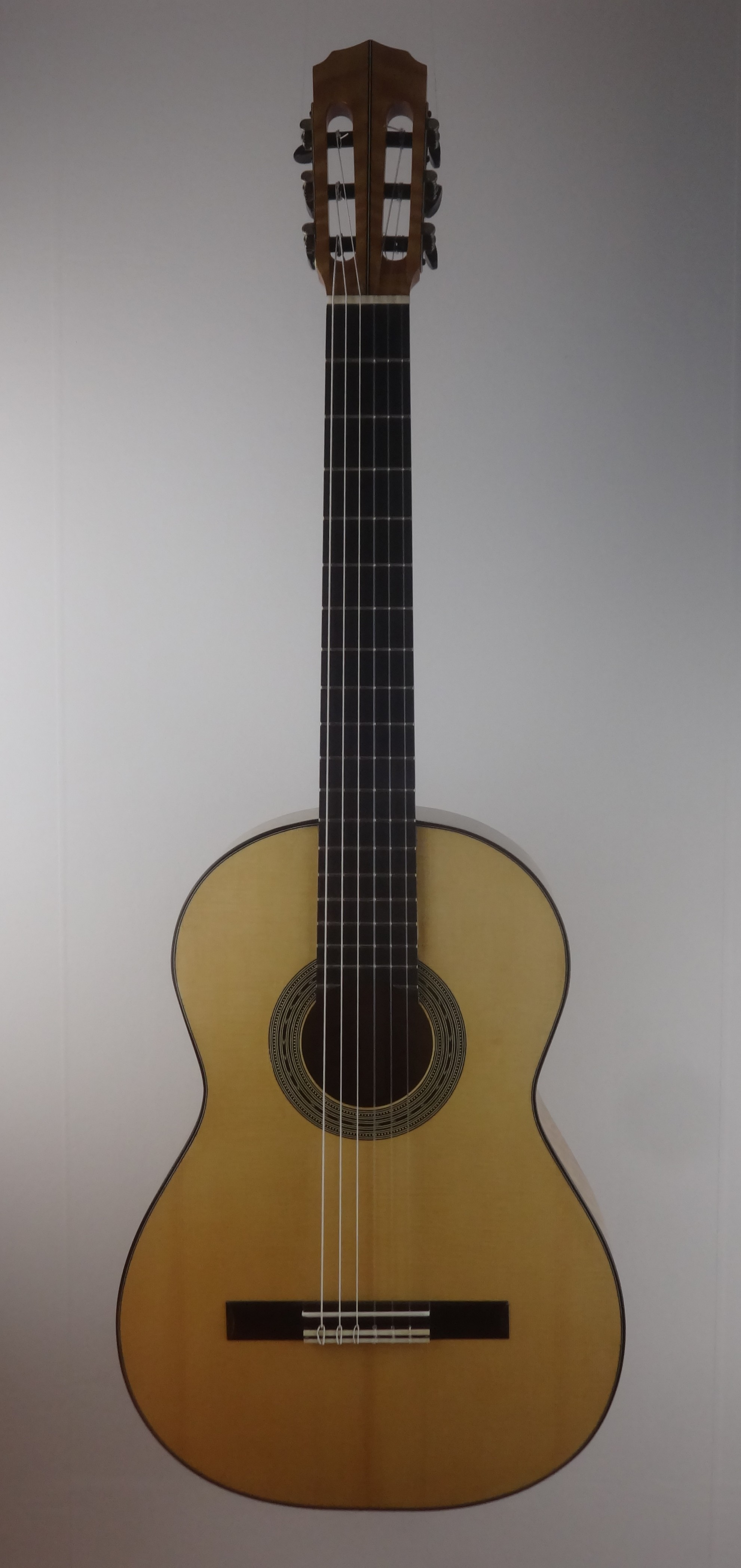 New Guitar Movingui Fe 5 Classical Guitar